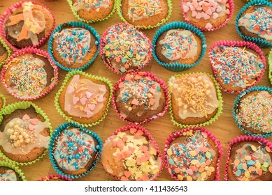 Delicious colourful cup cakes / cup cakes