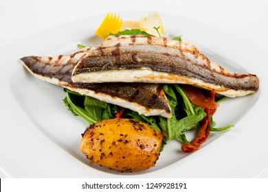 delicious fresh fish , fish table, grilled fish,  balık, alabalık, palamut, çipura, levrek, lüfer, mezgit, balık menüsü, balık ızgara
