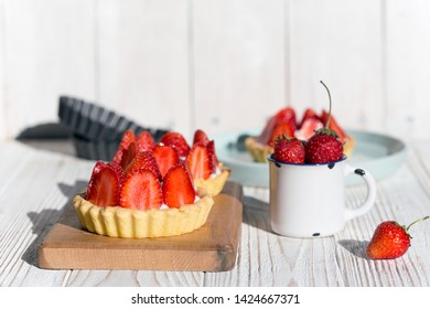 Delicious, healthy and beautiful tartlets with Strawberry and mascarpone