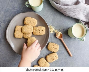 Delicious and healthy homemade Japanese style cookies and kinako latte drink from roasted soybean powder / Kinako Cookies & Drink / Good for breakfast or as snacks,ideal for weight watcher