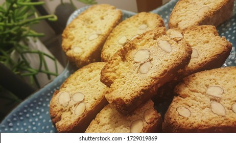 Delicious homemade Italian biscotti with almonds and chestnut flour - cantucci or cantuccini, typical of Tuscany. Perfect with coffee or wine.