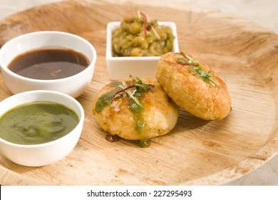 Delicious indian fried potato patties served with sweet & chilly sauce