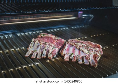 delicious lamb chops with bone, grilled under flames