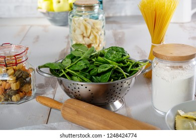the delicious leaves spinach salad