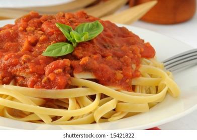 Delicious linguine pasta with tomato basil sauce.