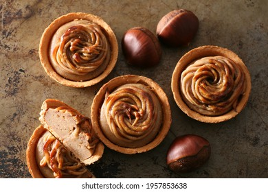 Delicious marron tarts with fresh butter