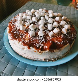Delicious sweet cake with salted caramel and cottage cheese. Cake prazdnik.