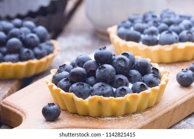 Delicious, useful and beautiful tartlets with blueberry