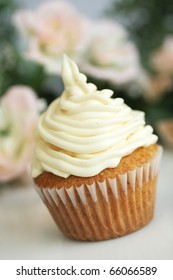 Delicious vanilla cup cake with white icing