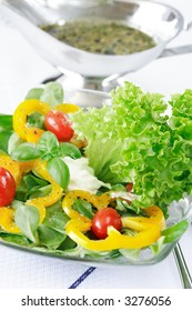 Delicious vegetable salad with low calorie