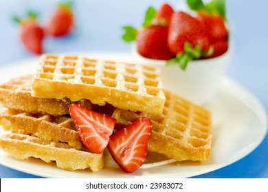 Delicious wafers with strawberry