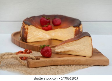 Delicous homemade cheesecake with strawberries