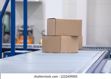 Delivery of parcels, packaging services and transport packages