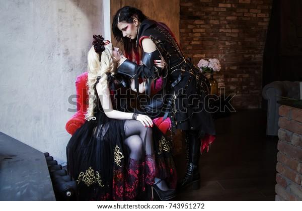 Leszbikus rabszolga kemény