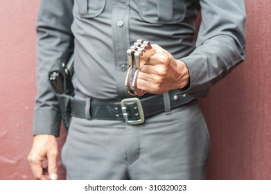 Demonstration held in handcuffs and shackles to take action against those who broke the law.