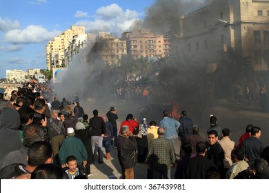 Demonstrations and burning cars in Alexandria Egypt, 2012 December 14