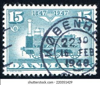 DENMARK - CIRCA 1947: stamp printed by Denmark, shows King Frederik IX and Queen Ingrid, circa 1947