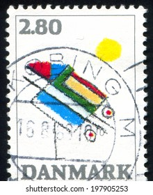 DENMARK - CIRCA 1987: stamp printed by Denmark, shows Abstact by Ejler Bille, circa 1987