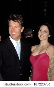 Dennis Quaid and girlfriend Cynthia Garrett at premiere of THE ROOKIE, NY 3/26/2002