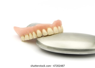 Dental removable prosthesis  with metal Object