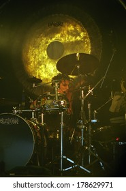 DENVER	DECEMBER 18:		Drummer Tommy Lee of the Heavy Metal band Motley Crue performs in concert December 18, 1998 at Mammoth Arena in Denver, CO.