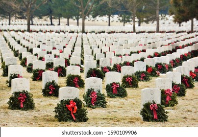 Denver, CO, USA. Dec, 14, 2019. Wreaths Across America placed thousands of Wreaths on the graves of our country's fallen heroes all over the country. These ones are at Ft. Logan National Cemetery.