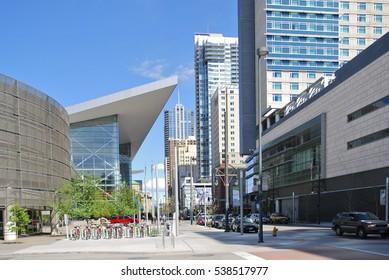 DENVER - MAY 18 2013: Famous Blue bear sculpture outside Denver Convention Center