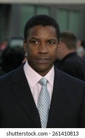 """Denzel Washington at the Los Angeles premiere of """"The Manchurian Candidate"""" held at the AMPAS in Beverly Hills, California United States on July 22, 2004."""