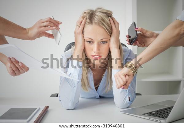 Депрессия деловая женщина