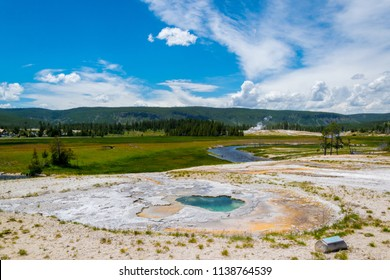 Depression Geyser, a hotspring in theUpper Geyser Basin, Yellowstone National Park, Wyoming, USA