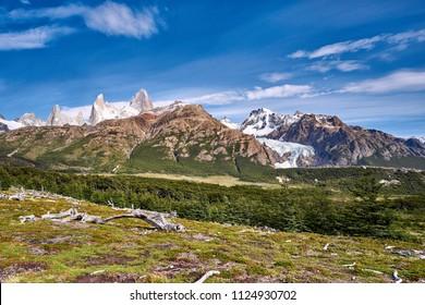 Der Fitz Roy, auch Cerro Fitzroy oder Cerro Chaltén, gelegentlich auch FitzRoy, ist ein 3406 Meter hoher Granitberg in den argentinisch-chilenischen Anden.