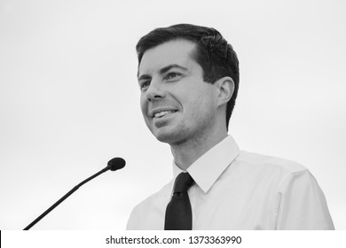 Des Moines, Iowa USA: April 16, 2019 South Bend Indiana Mayor and Presidential candidate Pete Buttigieg (D - Indiana) holds an outdoor rally in Des Moines, Iowa.