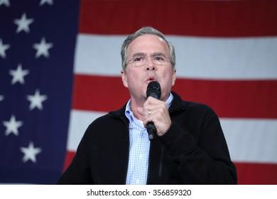 DES MOINES, IOWA-OCTOBER 31, 2015 Jeb Bush campaigns at Republican rally