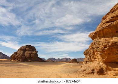 Desert landscape in the Akakus (Acacus) Mountains, Sahara, Libya