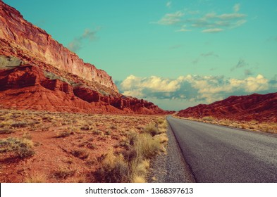Desert Landscape in Souther Utah, southwest USA, cliffs, mesa, mountains, vegetation, and great views