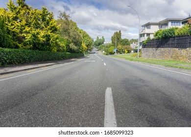 Deserted city street in midst ov covid-19 virus pandemic lock-down, Devonport Road, Tauranga New Zealand.