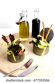 Design salad in conserve with dressing