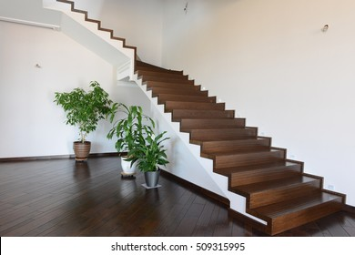 Design of stairs in a rich country house