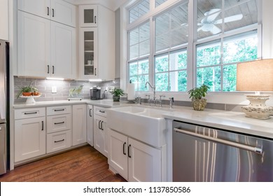 Southern Kitchen Images Stock Photos Vectors Shutterstock