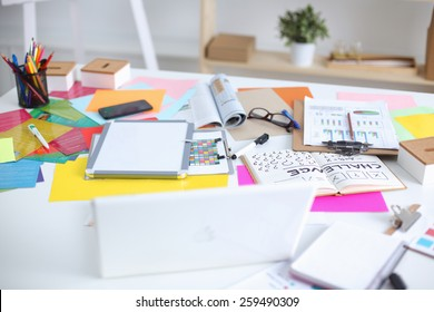 Designer's desk with responsive design concept