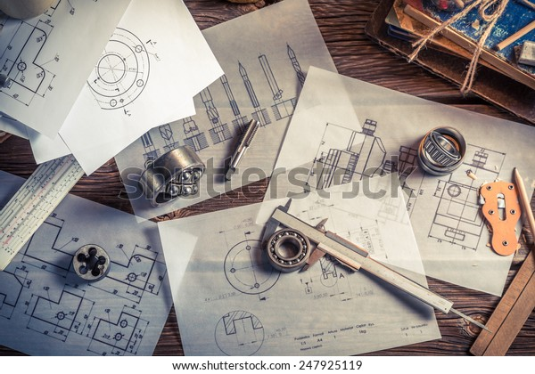 Designing mechanical parts by engineer