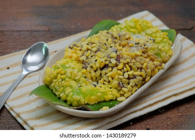 Thai​ dessert, soft mung bean rice crepe on wooden table