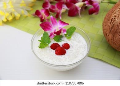The dessert which put tapioca in coconut milk