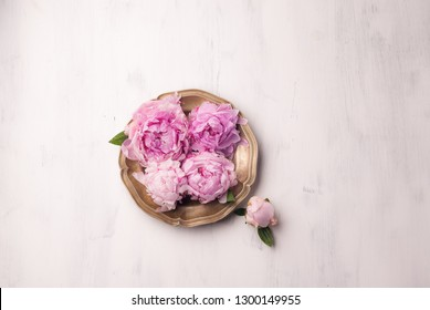 desserts with flowers