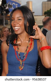 """Destiny's Child star KELLY ROWLAND at the world premiere, in Los Angeles, of """"Miami Vice."""" July 20, 2006  Los Angeles, CA  2006 Paul Smith / Featureflash"""
