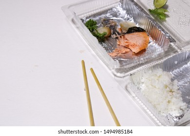 Destroy resources , leftover food garbage in the sea , Salmon that was eaten