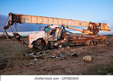 Destroyed mobile crane, after an rollover.