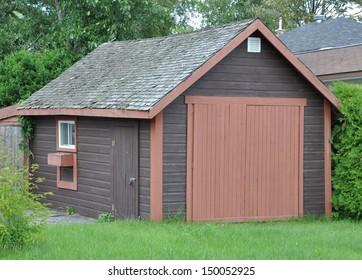 Detached storage unit