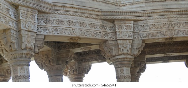 Detail, columns of interior dome of Ahar cenotaph of the Maharanas of Mewar, Udaipur,     Rajasthan,  India, Asia