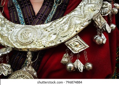 detail costume, necklace, ethnic minorities, china